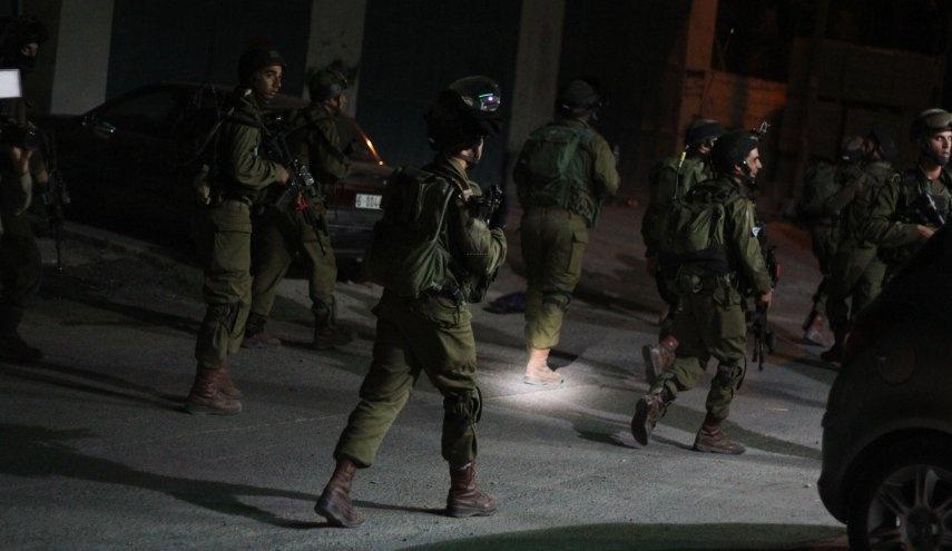 الاحتلال يعتقل 8 مواطنين من الضفة
